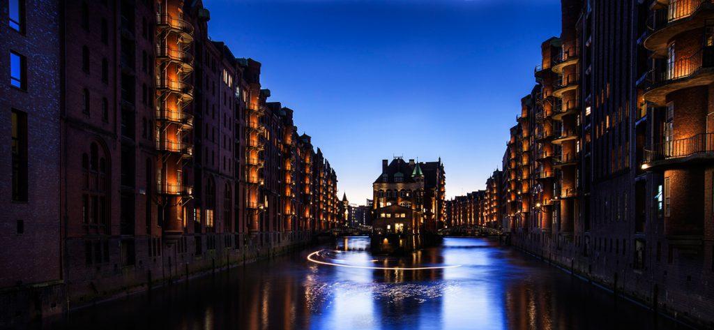 Available-Light Fotografie Speicherstadt Hamburg Poggenmühlenbrücke | Werkstatt Bild und Sprache